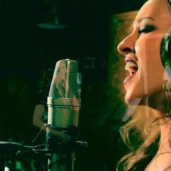 Студийная запись вокалиста. Запись джингла.